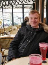 thomas, 20, France, Paris
