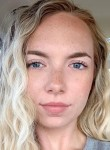 Iris, 33  , Adelaide