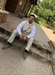 Carlos Salinas, 21, Arlington (State of Texas)