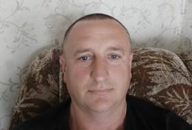 Ivan, 46 - Just Me