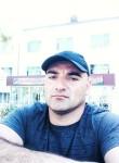 Dzhakhanbeg , 36  , Buston