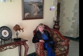 Olya, 48 - Just Me