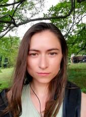 Irina, 32, Russia, Anapa
