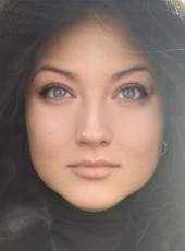 yuliya, 40, Russia, Saint Petersburg