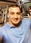 Valeriy, 39, Otradnoye