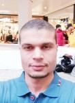 Ammar, 35  , Paris