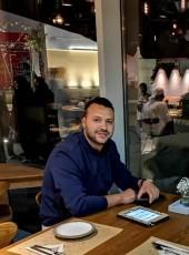Mahmoud Essa, 31, United Arab Emirates, Al Ain