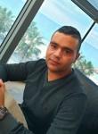Ma, 25  , Tunis