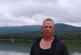 Serzh , 42 - Just Me