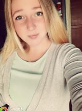 Nastya, 20, Russia, Svecha
