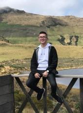 Esteban, 20, France, Rueil-Malmaison