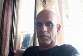 Geries, 56 - Just Me