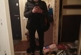 Leshka, 19 - Just Me