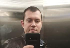 Max, 34 - Just Me