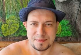 Max, 35 - Just Me