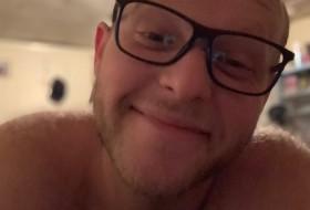 Alan, 32 - Just Me