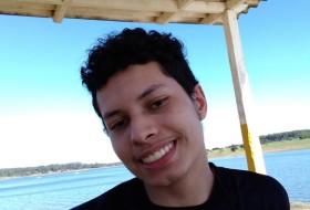 Carlos, 18 - Just Me