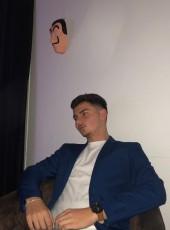 Louis, 18, France, Royan