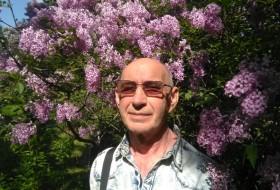 Petr, 60 - Just Me