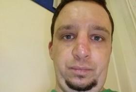 Julien , 36 - Just Me