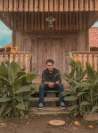 vicky, 22  , Malang