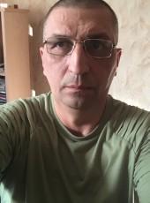 Igor, 50, Belarus, Navapolatsk