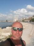 Roma, 43  , Beirut