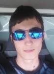 Damien, 21  , Calais