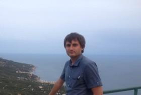 Valentin, 37 - Just Me