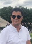 Mootaz, 41  , Tunis