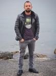 Cevdet, 33, Istanbul