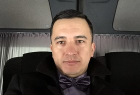 Denis, 28 - Just Me