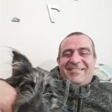 Roberto , 44  , Oggiono