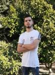 Klajdi , 18  , Tirana