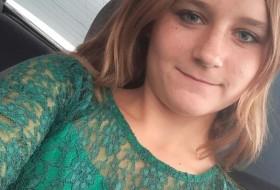 Vika, 18 - Just Me