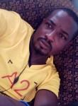dinosor, 31  , Ngaoundere