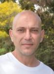 Itsik, 43  , Rishon LeZiyyon