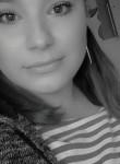 Regina, 23, Magadan
