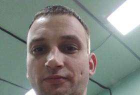 Aleks, 35 - Just Me