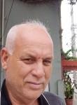 Roberto, 55  , Campos