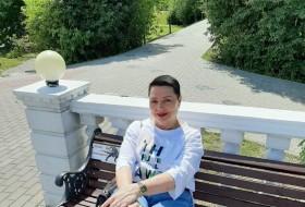 Elena, 63 - Just Me