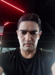 Mounir, 35  , Tunis