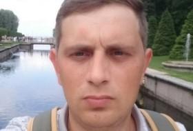 Nik, 33 - Just Me
