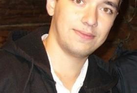 Artur, 31 - Just Me
