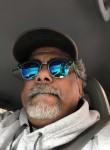 Papi, 53  , Plano