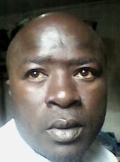 Kesuma, 39, Sierra Leone, Freetown