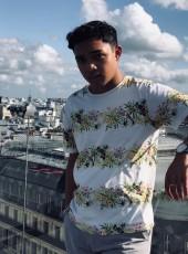 thony, 18, France, Paris