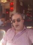 Fred Montero , 54  , Versailles