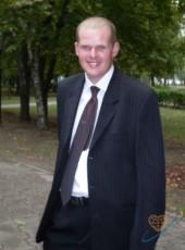 Aleksandr, 35, Belarus, Kostyukovka