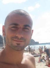 Omri, 29, Israel, Ramat Gan